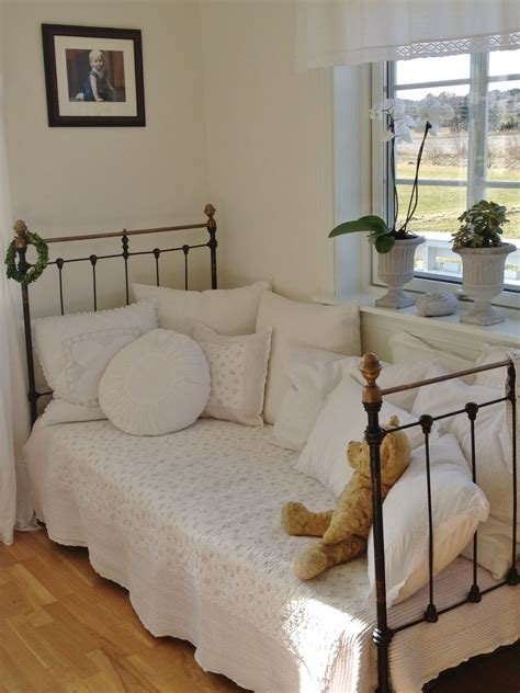 shabby chic daybed guest room pinterest shabby and daybed