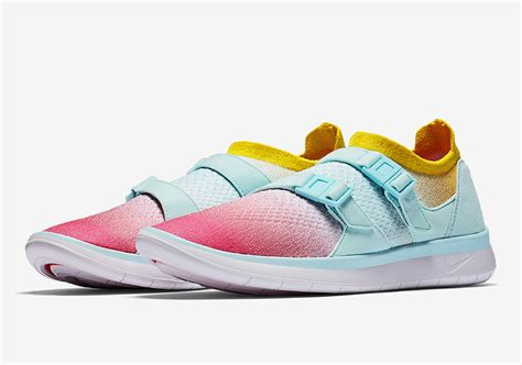 Nike Flyknit Racer 2 0 Soft Pink White pastel tones hit the nike sock racer flyknit
