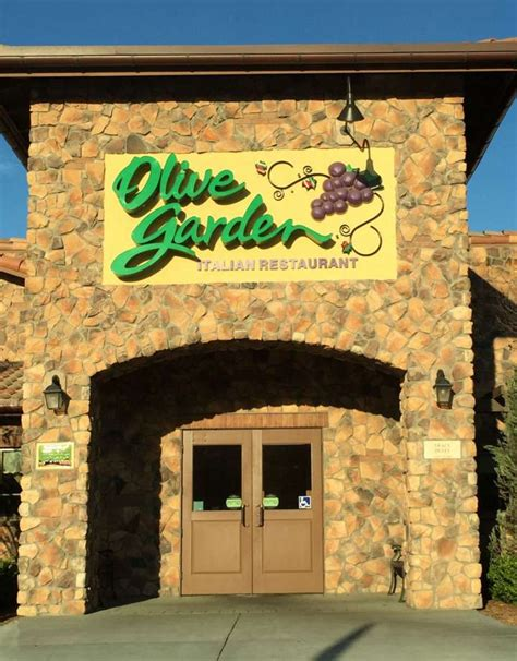 Olive Garden Veterans Day by Olive Garden Longhorn Steakhouse To Offer Discounts On