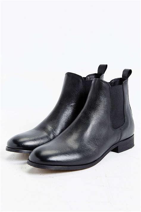 shoe the chelsea boot in black for lyst