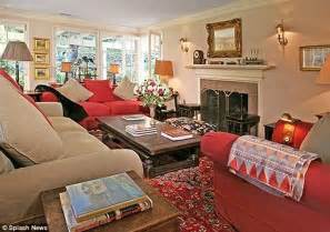 Elegant Master Bedroom Decorating Ideas taylor swift on the verge of buying 3 5m mansion in