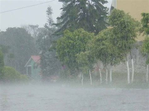 imagenes de fuertes lluvias diversos fen 211 menos meteorol 211 gicos generar 193 n lluvias