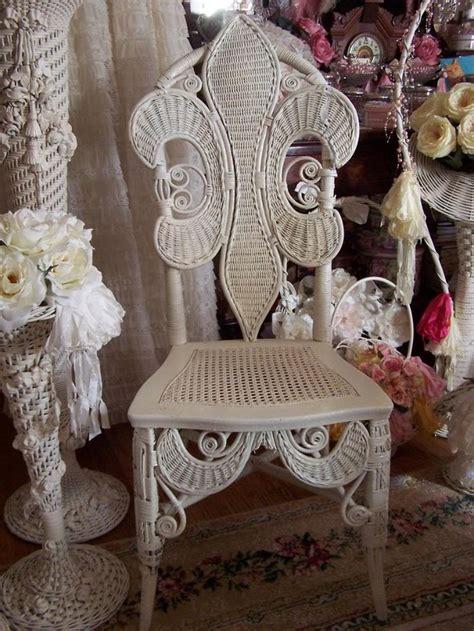 Fleur De Lis Wicker Chair Shabby Chic Pinterest Shabby Chic Wicker Furniture