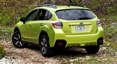 subaru xv road road test review 2014 subaru xv crosstrek hybrid is