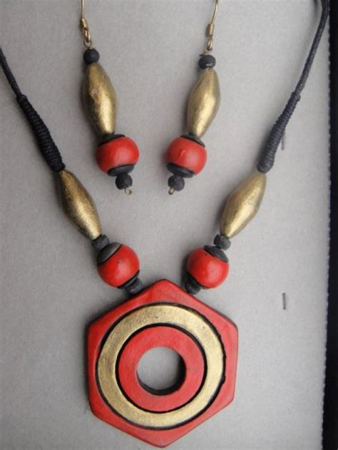 show in handmade clay jewelry go earthly fashion styles