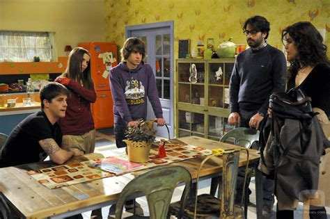 imagenes de la familia reunida la familia reunida en la cocina fotos formulatv
