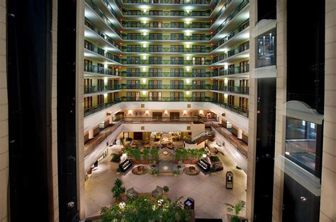 hotels with in room indianapolis embassy suites indianapolis downtown 2017 room prices deals reviews expedia