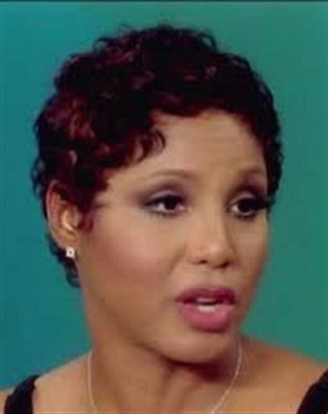 short curly hair on toni braxrton and similar short curl y hairstyles on on black women toni braxton short hair google search short hairstyle