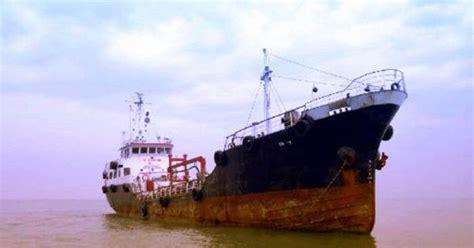 kapal tanker kopi bubuk 160g lantamal iv tangkap dua kapal tanker asing yang kabur dari