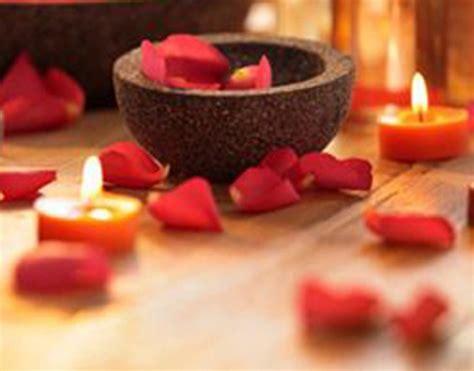massaggio con candele spazioayurveda