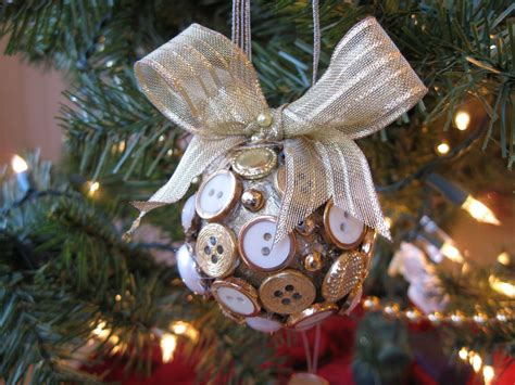 19 christmas ornaments which highlight the fervor of the