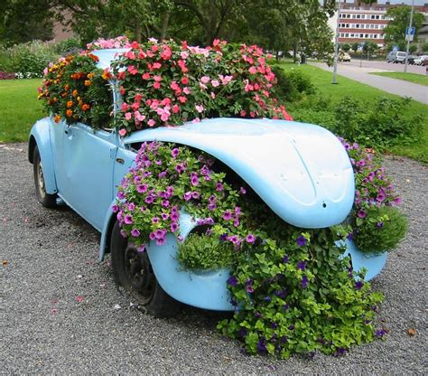 cool planters   unusual recycled objects