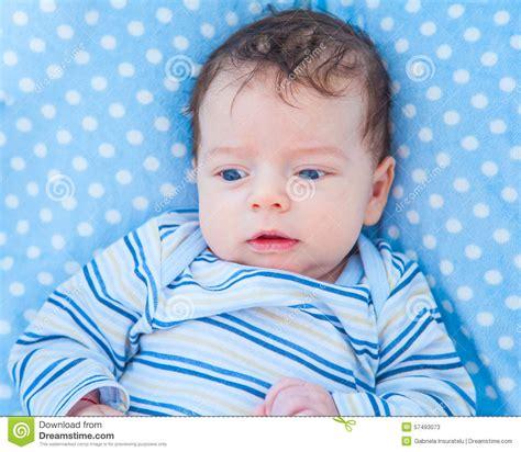 baby zu hause 2 monate alte baby zu hause stockfoto bild 57493073
