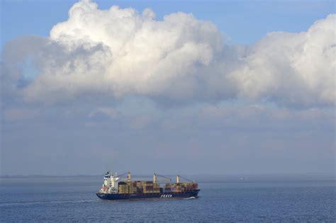 scheepvaart westerschelde live westerschelde zeeland op foto
