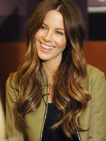 curly hair parted in the middle wavy hair parted middle my style pinterest