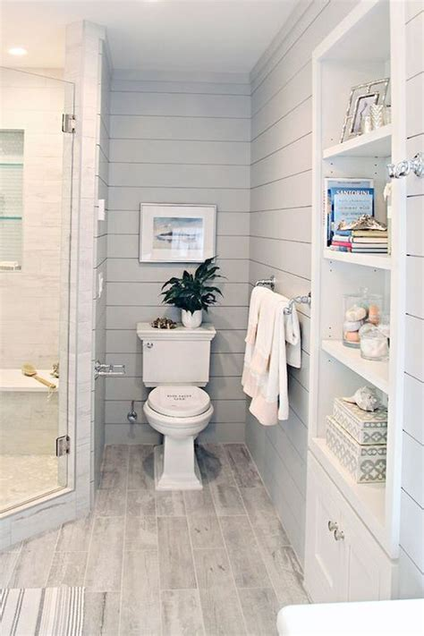 Ideas To Remodel A Bathroom Best 25 Small Bathroom Remodeling Ideas On Pinterest Small Bathroom Ideas Small Bathroom