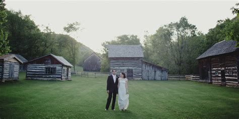 Round Barn Red Wing Mn The Best Wisconsin Wedding Venues Ray Kelly Photography