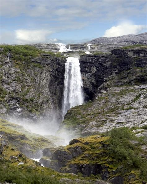 famous falls world s most famous and amazing waterfalls virtual