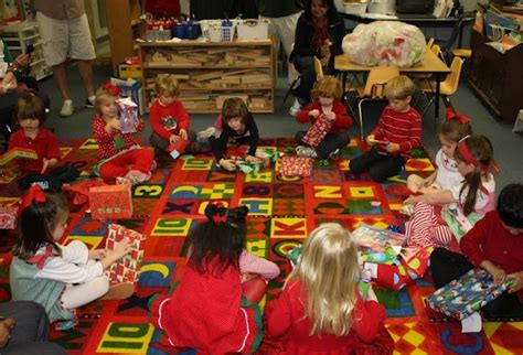 christmas holiday themes preschool preschool christmas party preschool pinterest