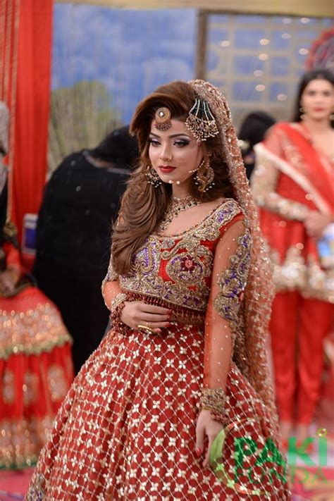 Wedding Hairstyles In Pakistan by Beautiful Wedding Bridal Dresses Makeup And