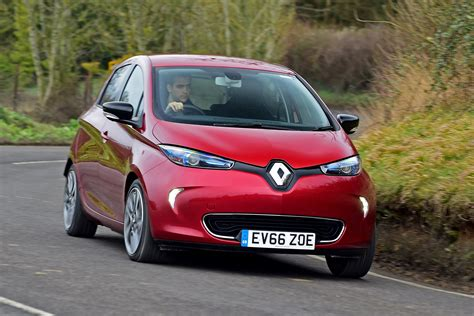 renault zoe 2018 new renault zoe ev 2017 uk review pictures auto express
