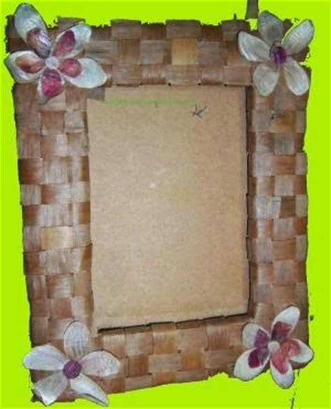 langkah langkah membuat pohon natal dari kardus bekas cara membuat bingkai foto dari pelepah pisang wahyu eko