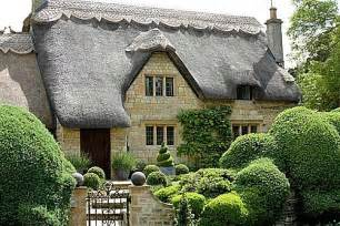 thatched roof cottage thatched roof cottages one hundred dollars a month