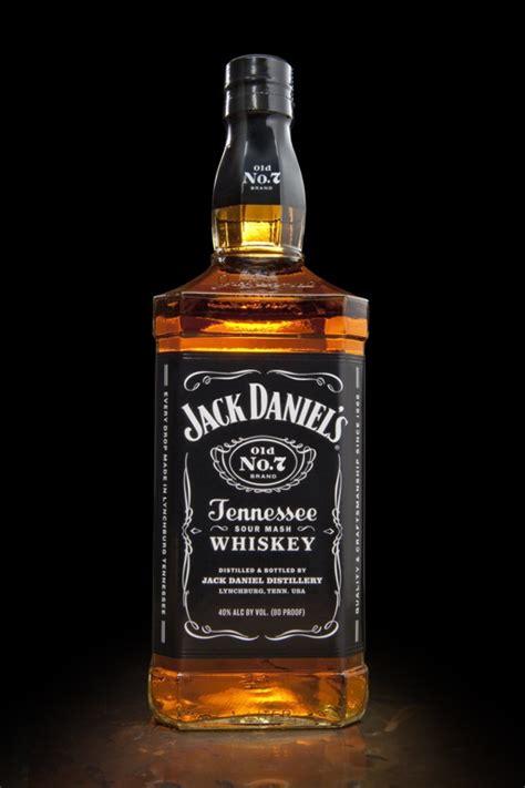 imagenes de botella jack daniels jack daniel s lanza botella renovada en septiembre below
