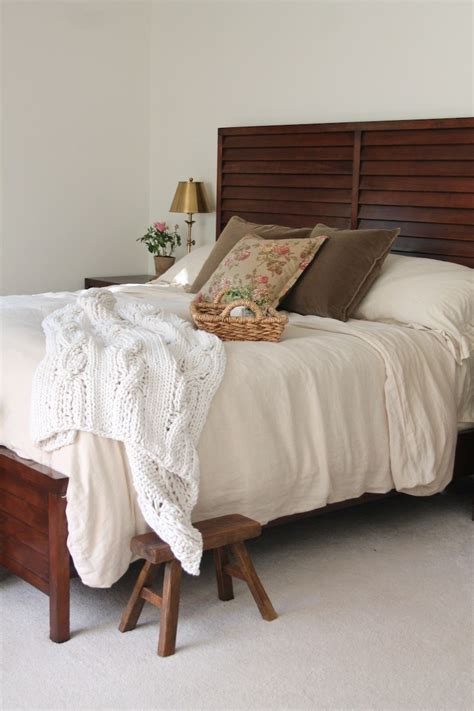 instant bedroom instant bedroom refresh with julie blanner of coordinately