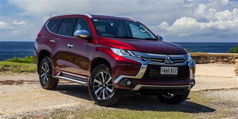 pajero sport mitsubishi 2016 mitsubishi pajero sport gls review caradvice