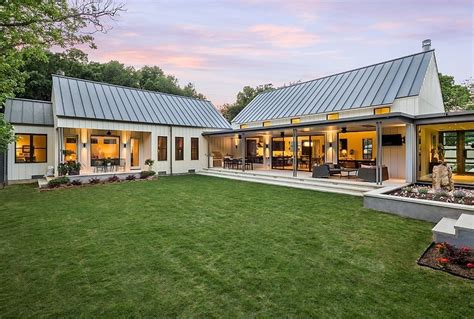 texas farmhouse homes modern farmhouse by olsen studios architecture