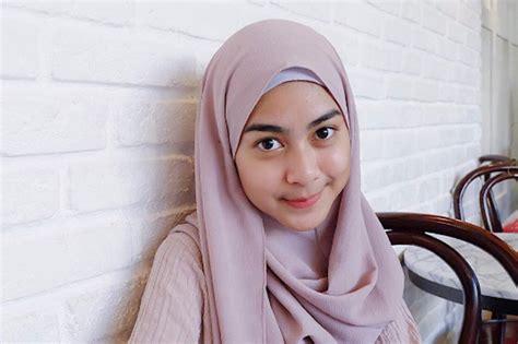 tren hijab coba cek gaya hijab kamu kekinian atau masih tren lama