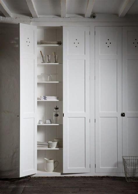 resembles  bedroom wall closet  pantry