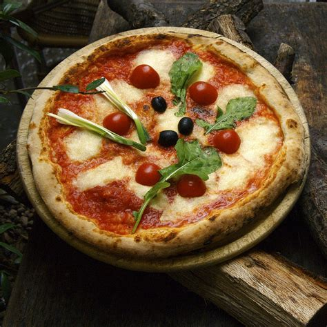 best pizza in florence italy italy pizza pizzaoven pizzastone 点力图库