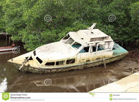 boat raja cartoon the broken boat stock photography cartoondealer