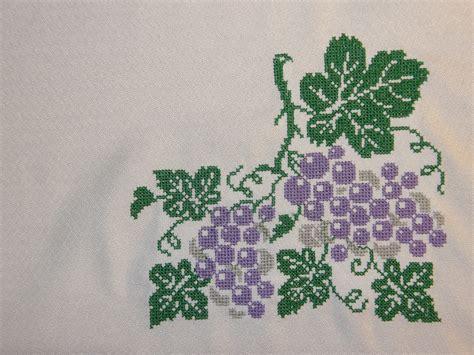 imagenes de uvas para bordar bordados y confecciones mila prishchep manteleria bordada