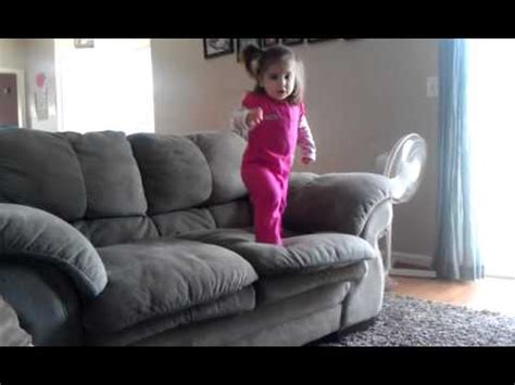 melanie couch melanie jumping off couch 10 20 11 youtube