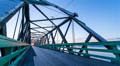 vancouver swinging bridge it s so cold that this metro vancouver swing bridge is