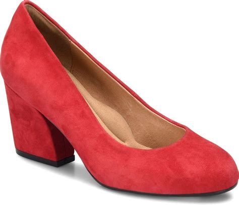 comfortable party shoes 12 chic holiday party shoes that are actually comfortable