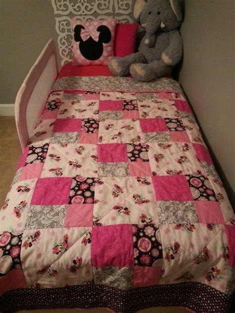 Minnie Mouse Quilt by Minnie Mouse Quilt Quilts Quilt I Want