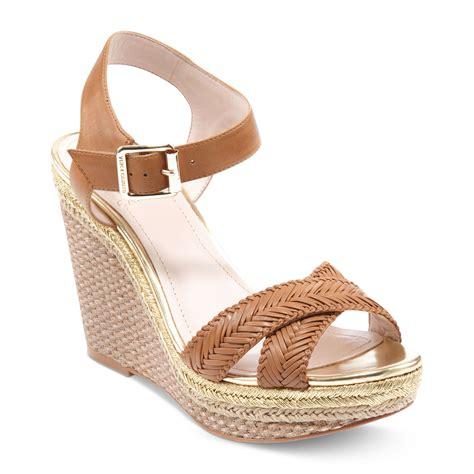vince camuto tadeta 2 platform wedge sandals in brown