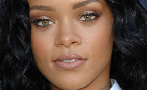rihanna real eye color rihanna eye color related keywords rihanna eye color