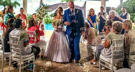 Wedding Aisle Bubbles by Ceremony Walking Up The Aisle With Bubbles Costa Rica