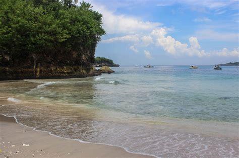 finding  real bali  nusa penida travel lush