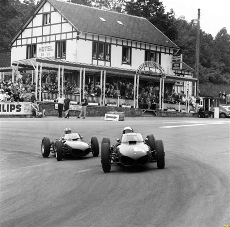 phil hill 156 leads jo bonnier porsche 787 out