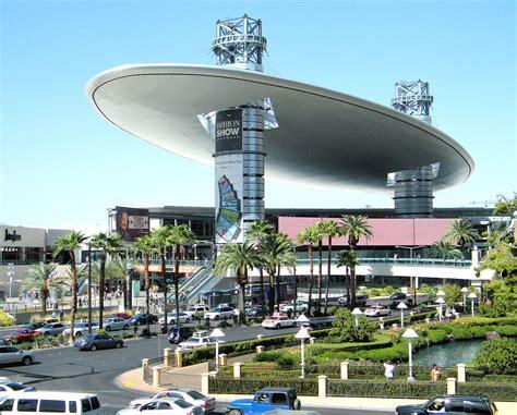 show in las vegas fashion show mall