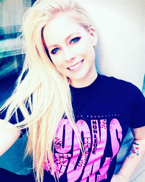 avril lavigne launches caign to help fight lyme disease instagram