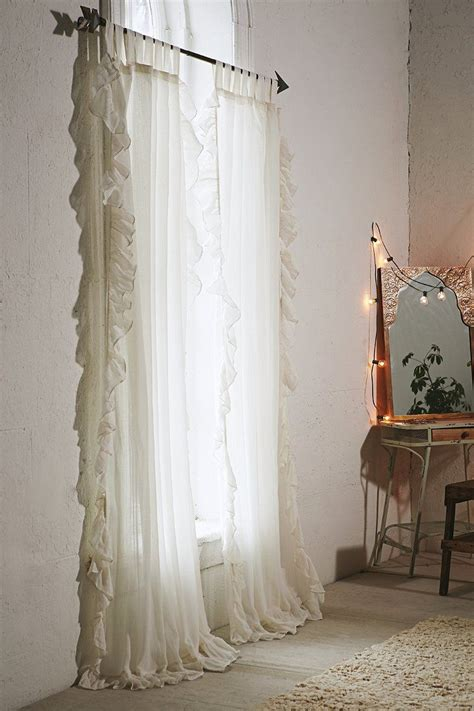 gauzy white curtains 25 best ideas about bow window curtains on pinterest