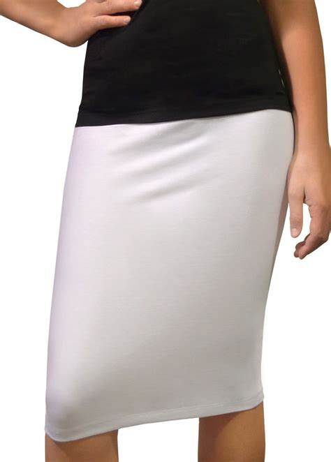 white knee length pencil skirt fitted in cotton lycra modli