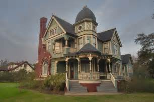Victorian Style Houses by Victorian Era Queen Anne Home Designs 1880 1910 Roof